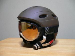 ヘルメットにつけるとこんな感じ